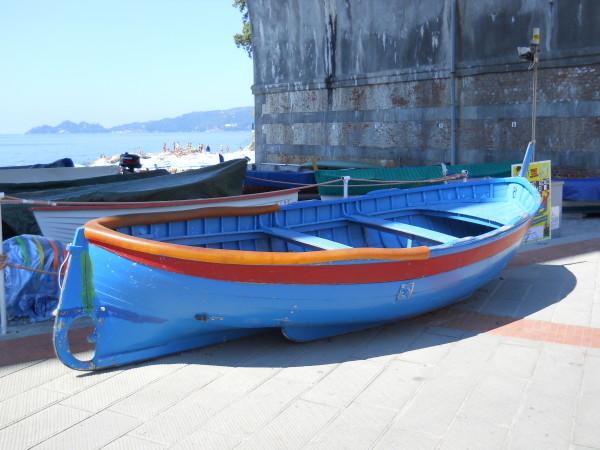 Barca a Genova