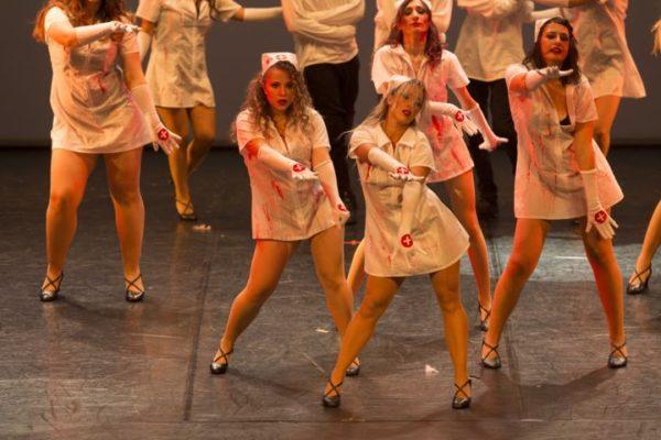 Adulti del corso di video della scuola di danza