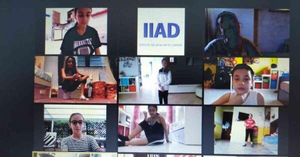 su zoom 8 bambini e ragazzi ascoltano la lezione di danza online