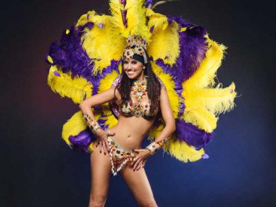 Ballerina in costume da samba