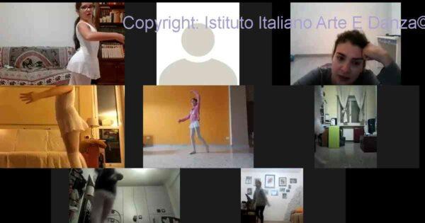 8 allieve del primo corso di danza classica online